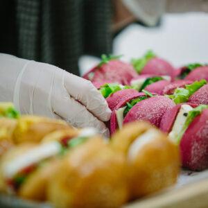 מגשי אירוח לברית - אירוח מושלם לכל אירוע
